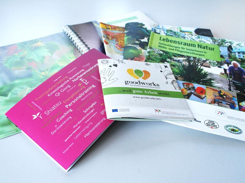 Folder & Broschüren - KUTECH Web & Werbung
